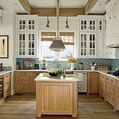 pictures of kitchen cabinet doors best 10 maple kitchen ideas on 7462