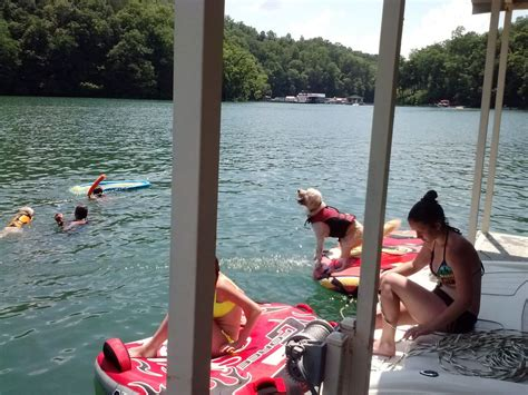 norris lake front cottage   private covered boat slip