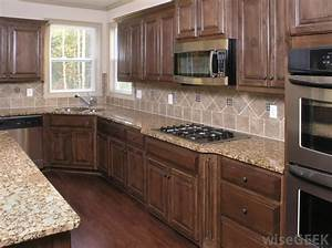 How do I Choose the Best Kitchen Cabinet Knobs? (with
