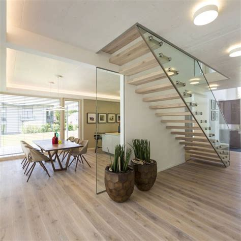 flur mit treppe gestalten modern die besten 25 treppenaufgang gestalten ideen auf