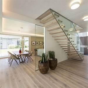 Flur Gestalten Modern : die besten 17 ideen zu treppen auf pinterest treppe wandfarben und galeriewand treppe ~ Markanthonyermac.com Haus und Dekorationen
