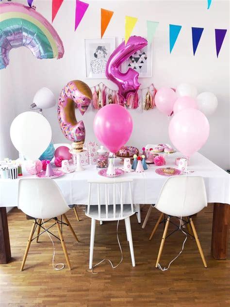 kindergeburtstag zuhause feiern ideen 4 geburtstag feiern spiele und deko ideen f 252 r den kindergeburtstag minimenschlein de