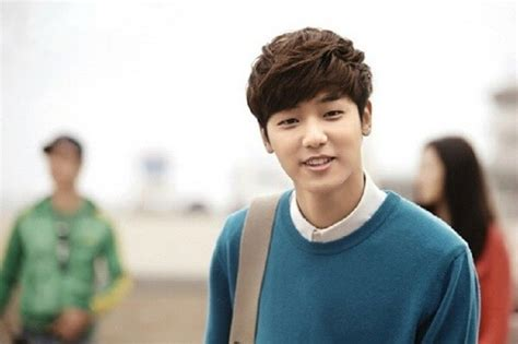 gaya rambut panjang pria korea  modelemasterbaru