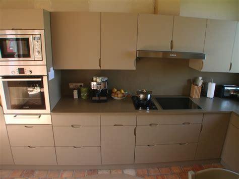 cuisine beige et taupe conception de cuisines sur mesure en normandie b2a