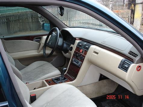 Mercedes e 200 used for sell in egypt, best prices for mercedes e 200 in all egypt, find your new car page 1 of 5. 1996 Mercedes Benz E200 specs: mpg, towing capacity, size, photos
