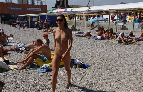 Hot Naked Girl At Very Public Non Nude Beach Russian Sexy Girls Sar Ru