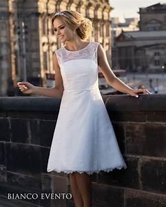 Robe Courte Mariée : robe de mari e courte en fine dentelle collection 2017 de robes de mari es propos es par ~ Melissatoandfro.com Idées de Décoration