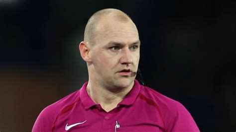 Former Premier League official Bobby Madley poised for refereeing return