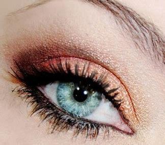 le maquillage des yeux bleus gris maquillage des yeux