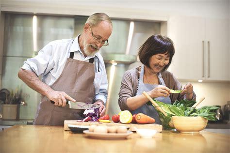 อาหาร และสารอาหาร สำหรับผู้สูงอายุ ที่จำเป็นต่อร่างกาย ...
