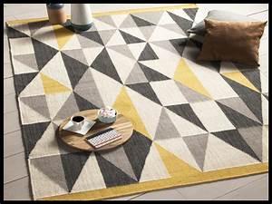 Tapis Jaune Et Gris : tapis gris et jaune id es de d coration int rieure french decor ~ Teatrodelosmanantiales.com Idées de Décoration