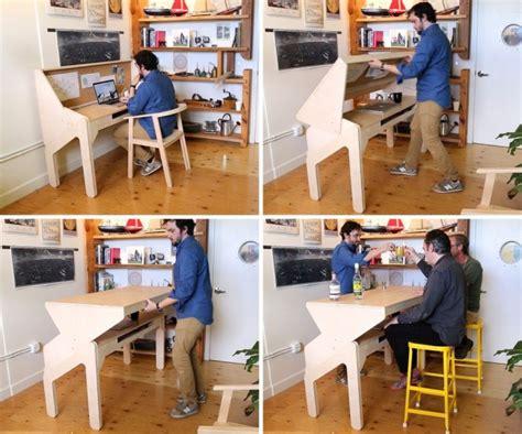 bureau bar dit bureau verandert in een bar zodra het tijd is voor een