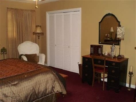 what color to paint walls with burgundy carpet carpet vidalondon
