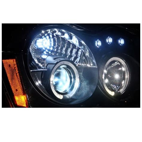 jeep headlights at night 05 07 jeep grand cherokee dual halo led projector
