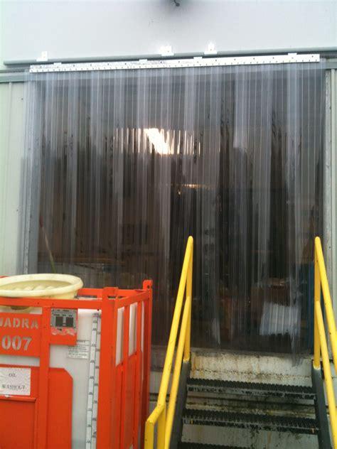 vinyl door curtain 132 quot x 120 quot anti scratch ribbed