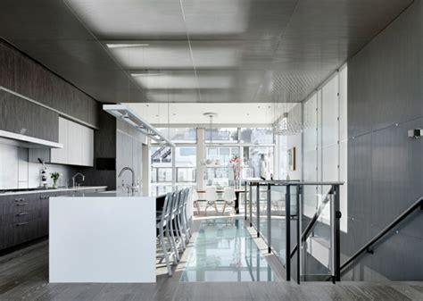 Schwingfenster Sorgen Fuer Viel Licht Im Raum by Industrial M 246 Bel In 10 Beeindruckenden Loft Wohnungen Weltweit