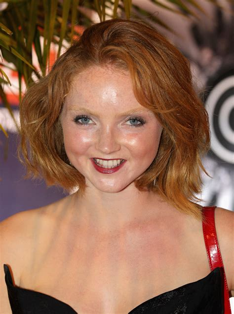 lily kate cole lily cole bob lily cole hair looks stylebistro