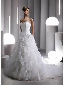Robe mariee pas cher amazone noire for Robe de mariée créateur pas cher
