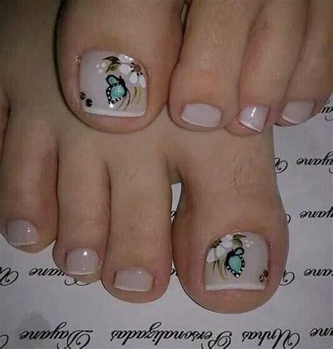 Figuras de uñas para los pies con flores hermosas / uñas uñas decoradas en 2019   uñas militares, uñas pies y. Pin de Janis en uñas con flores   Diseños de uñas pies, Arte de uñas de pies, Uñas pies decoracion