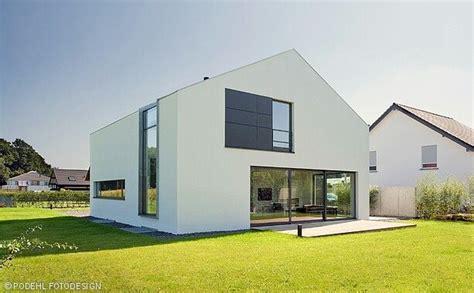Moderne Häuser Satteldach by Satteldach Ohne Dacheberstand Domy Haus Architektur