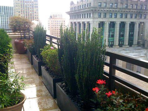 nyc garden design nyc roof garden terrace deck container plants fiberglass pots black stones contemporary