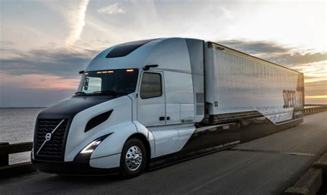 buy new volvo semi truck volvo supertruck improves fuel efficiency by 70 after 5