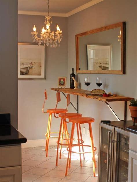 Holzplatte In Der Küche by Einfacher Bartresen Aus Holzplatte An Der Wand Befestigt
