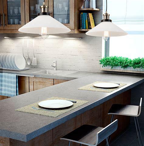 centre de table de cuisine calidez en el office de la cocina con la iluminación