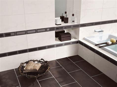 Badezimmer Fliesen Mit Bordüre by Fliesen Bord 252 Re Der Nadelstreifen Im Modernen Badezimmer