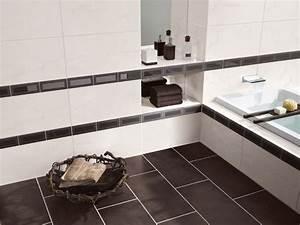 Selbstklebende Bordüre Fürs Bad : fliesen bord re der nadelstreifen im modernen badezimmer ~ Watch28wear.com Haus und Dekorationen