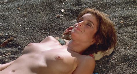 Nude Video Celebs Valerie Quennessen Nude Summer Lovers