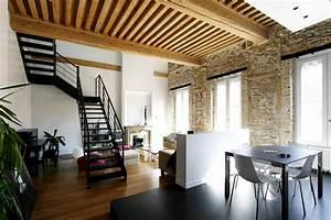 Architecture et rénovation d'un appartement avec escalier acier