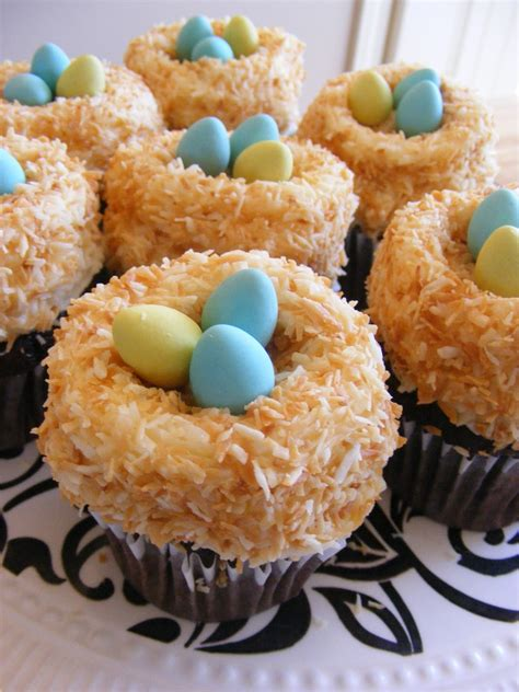 easy easter cupcakes the complete guide to imperfect homemaking two super easy super cute cupcakes for easter