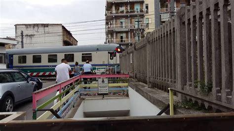 carrozze cuccette treno con carrozze cuccette e carrozza croce rossa