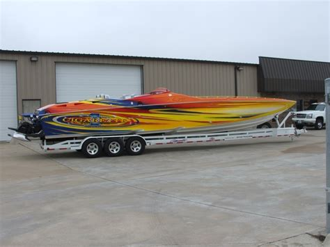 Cigarette Boat Dealer Miami by 78 Images About Luxury Boats On Lowered