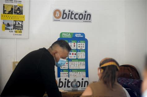 Bitcoin, dogecoin tumble as young Canadians jump into ...