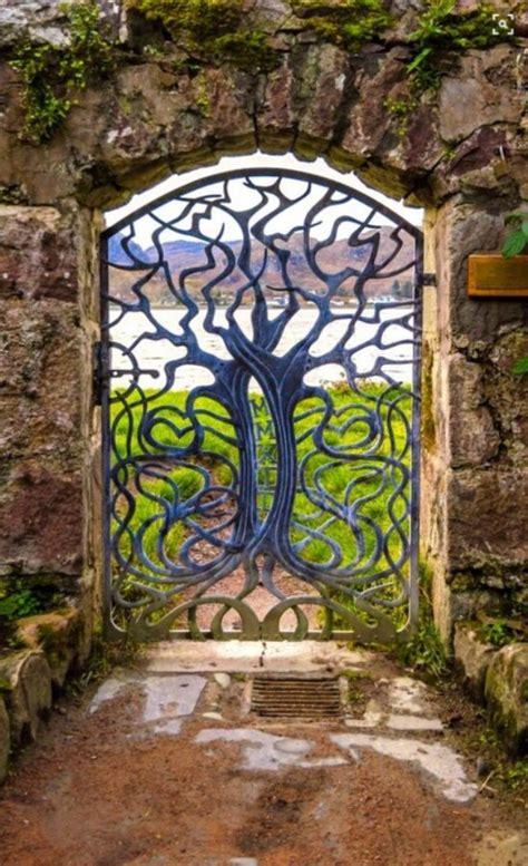 majestic metal garden gates      wow
