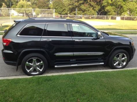 find   jeep grand cherokee overland hemi