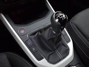 Seat Arona Automatique : en images seat arona et renault captur renault captur tce 120 initiale moteur challenges ~ Medecine-chirurgie-esthetiques.com Avis de Voitures