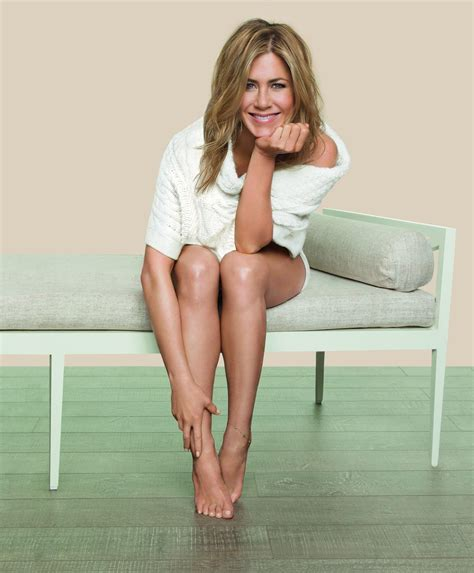 Jennifer Aniston on Summer Skincare, Infrared Saunas and Unscripted Beauty