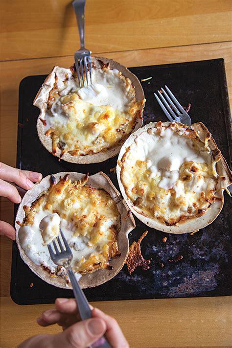 cuisine coquille st jacques coquilles st jacques gratinéed scallops recipe saveur