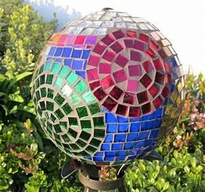 Mosaik Basteln Ideen : 25 garten deko ideen mit bowlingkuggeln zum selbermachen ~ Lizthompson.info Haus und Dekorationen