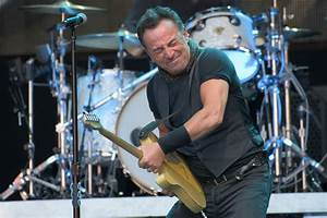 Bruce Top Gear : bruce springsteen tour review springsteen shows wembley who s boss music going out ~ Medecine-chirurgie-esthetiques.com Avis de Voitures