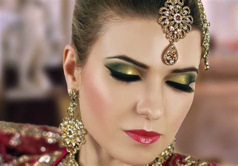 How To Do Amazing Eye Makeup For Mehndi Function Celebrant Wedding Script Uk Jenny's Guest Dress Teenager Officiant Holder Maxi Drapery Rental In Maryland With Unity Ceremony Oasis