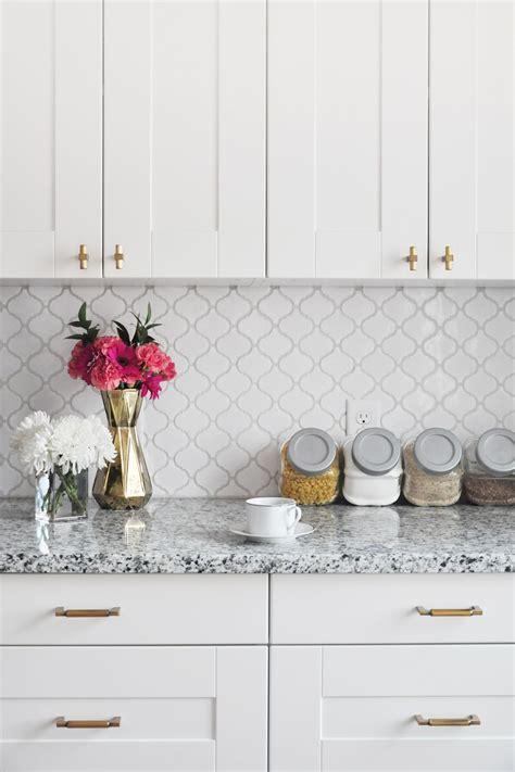White Kitchen Tile Backsplash Ideas by How To Tile A Kitchen Backsplash Diy Tutorial Foxyoxie