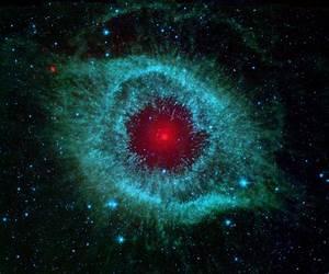 Comets Kick up Dust in Helix Nebula | NASA