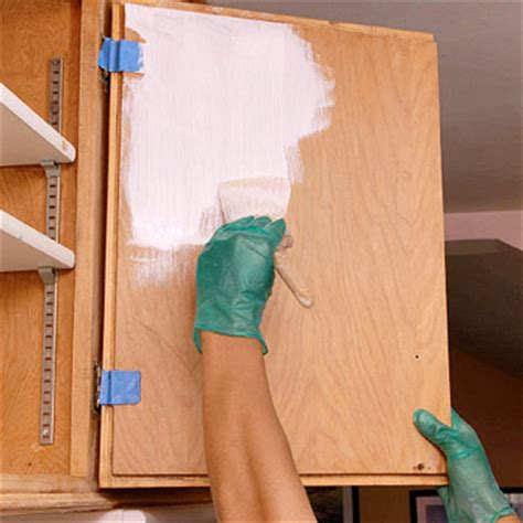 painting inside kitchen cabinets painting kitchen cabinets better homes gardens 4019