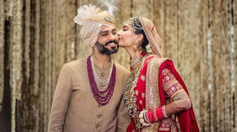 sonam kapoor  anand ahuja share adorable  pictures
