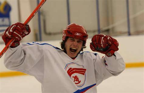 смотреть фильм про хоккей imperiya18 ru по кайфу