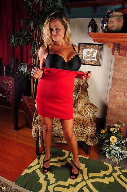 American Milf Showing Goods Mature Searches